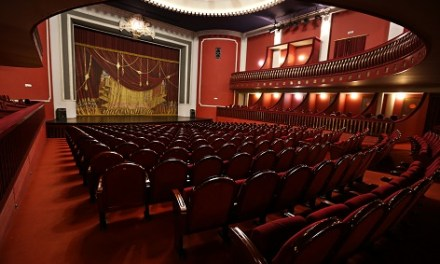 Las taquillas del Teatro Castelar de Elda abrirán un día antes de los espectáculos para la venta de localidades