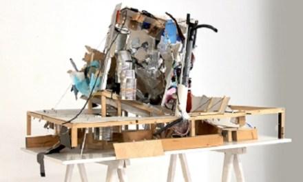El artista Juan Fuster inaugura su exposición 'La isla misteriosa' en La Peluquería