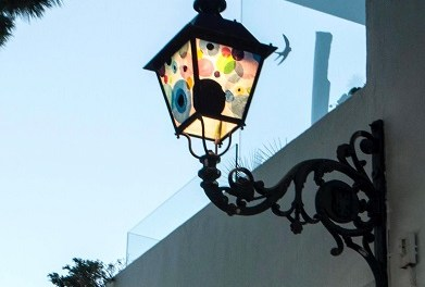 Cultura d'Altea presenta el projecte urbà Street Light Art Project