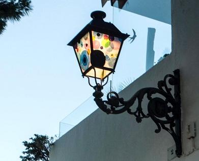 Cultura d'Altea presenta el projecte urbà Street Light Art Project