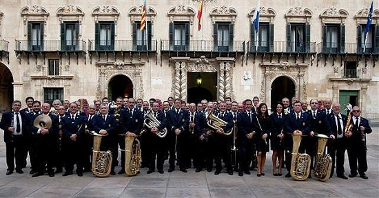"""La Concejalía de Fiestas organiza el concierto """"Música y Fiestas de Alicante"""" en el que se interpretarán piezas alusivas a las distintas celebraciones"""