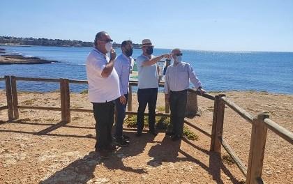 Orihuela estrena senda peatonal y una guía de campo sobre la flora de la Cala de la Glea en el Día del Medio Ambiente