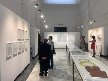 """Cultura d'Elx presenta l'exposició """"Ecodistopías"""" per a reflexionar sobre l'impacte dels plàstics en els oceans"""