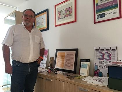 """Ramón López presenta el premio internacional de poesía para niños y niñas """"Ciudad de Orihuela"""" en su décima tercera edición"""