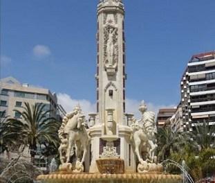 La fuente de Luceros se encamina hacia una nueva restauración para devolver el monumento a su época de mayor esplendor