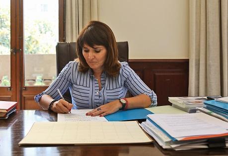 La Diputació demana a la Generalitat que estenga a la província d'Alacant les seues bones intencions per a acabar amb el greuge cultural