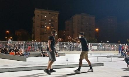 El raper Dude, del Campello, gana la final de les Batalles de Galls organitzades per Joventut dins del programa 'Estiu a Elda'