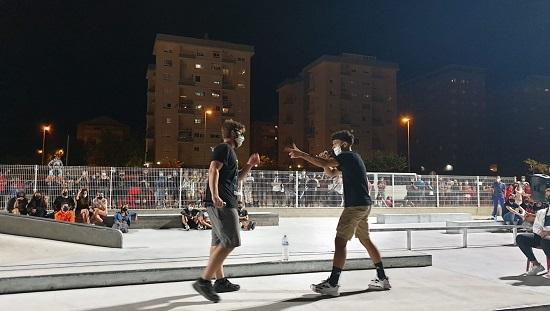 El rapero Dude, de El Campello, gana la final de las Batallas de Gallos organizadas por Juventud dentro del programa 'Verano en Elda'