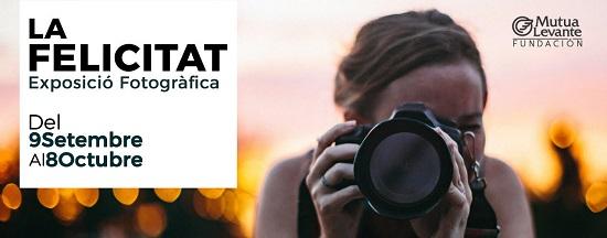Alcoi s'ompli de fotografies sobre la felicitat en la Fundació Mutua Levante