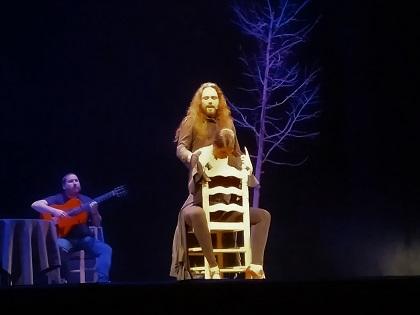 Una conferencia contada, bailada y cantada por la bailaora Samara Fernández en el Teatro Chapí de Villena