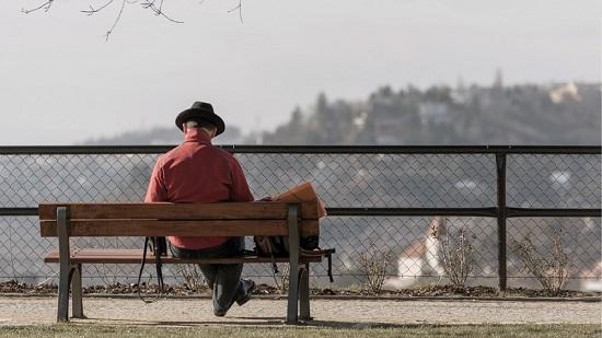 La regidoria de Gent Gran d'Alcoi convoca un concurs literari i un altre fotogràfic sobre la soledat no desitjada