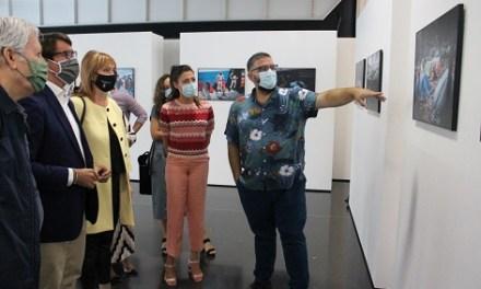 El Centre de Congressos d'Elx acull una exposició i debat sobre el drama dels refugiats
