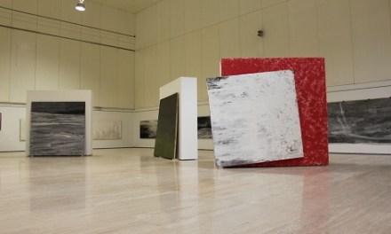 """""""La imagen velada"""" de Javier Rojo llega al MUA con sus pinturas más recientes de gran formato"""