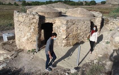 El Ayuntamiento de Villena engalana el yacimiento del Cabezo Redondo