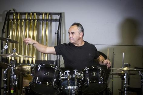 """Javier Eguillor estrena mundialment el """"Concert per a bateria"""" de David Mancini amb una gira"""