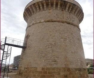 Els experts recomanen intervindre ara a la Torre de la Illeta de El Campello per a frenar la seua degradació i preservar-la durant dècades