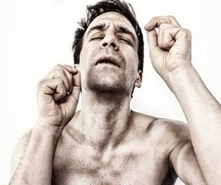 Santi Rodríguez presenta el dijous en el Gran Teatre d'Elx el seu monòleg 'Como en la casa de uno… (en ningún sitio)'