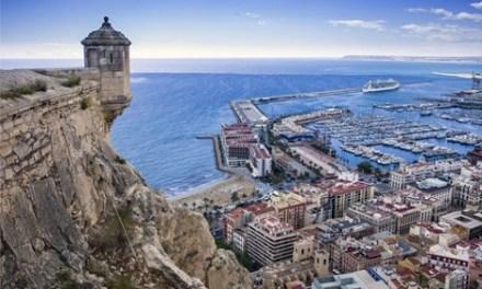 """Turismo revitaliza el patrimonio cultural con la campaña """"Alicante entre dos castillos"""""""