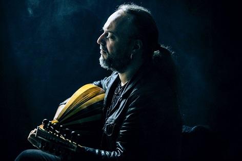 Efrén López, una música muy mediterránea que va directo al corazón de nuestra cultura ancestral