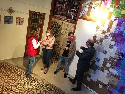 """La Tourist Info de Petrer inaugura l'exposició """"Llindes amb història"""""""