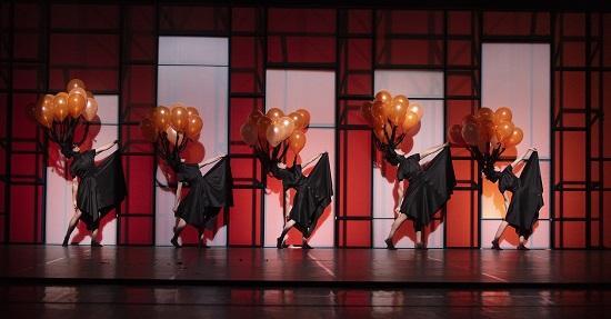 L'Institut Valencià de Cultura presenta 'Play' d'Aracaladanza al Teatre Arniches