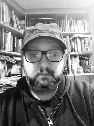 """Eduardo Boix: """"No me considero poeta, para mí es una palabra enorme. Me siento más cómodo con la denominación escritor o narrador, si se me tiene que encajar en alguna parte"""""""