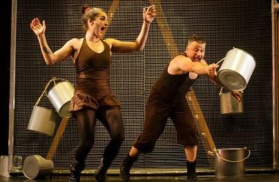 L'Institut Valencià de Cultura ofereix el teatre de La Zaranda i el circ de Maintomano el cap de setmana al Teatre Arniches
