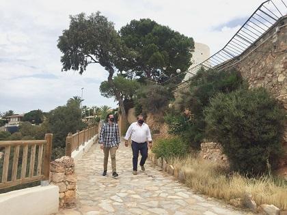La sendera 'Passeig Cap Roig' del litoral oriolà entre La Caleta i Cala Capità obté el guardó de 'Sendera Blava'
