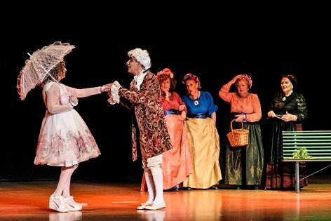 """El Aula de Teatro de la UPUA presenta la versión actualizada de """"La Marquesa Rosalinda"""" de Valle-Inclán"""