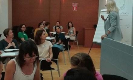 La Escuela de Talento Femenino de la Agencia Local de Alicante potencia el liderazgo de la mujer en la nueva programación