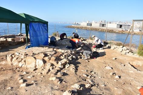 Las excavaciones del MARQ en la Illeta dels Banyets sacan a la luz una nueva instalación productiva para la conservación de pescado
