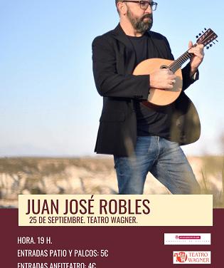 El compositor Juan José Robles aquest dissabte en el Teatre Wagner d'Aspe