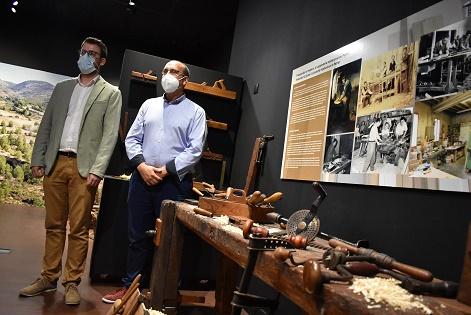 La segunda exposición temporal del Museo Dámaso Navarro pone en valor la carpintería tradicional de Petrer