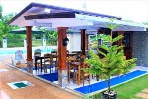 Book your stay at zen rooms greenfields inn bohol, panglao, philippines great deals!