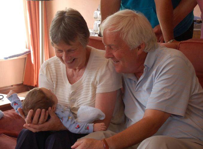 abuelos bebe