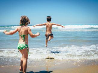 playas costa daurada con niños