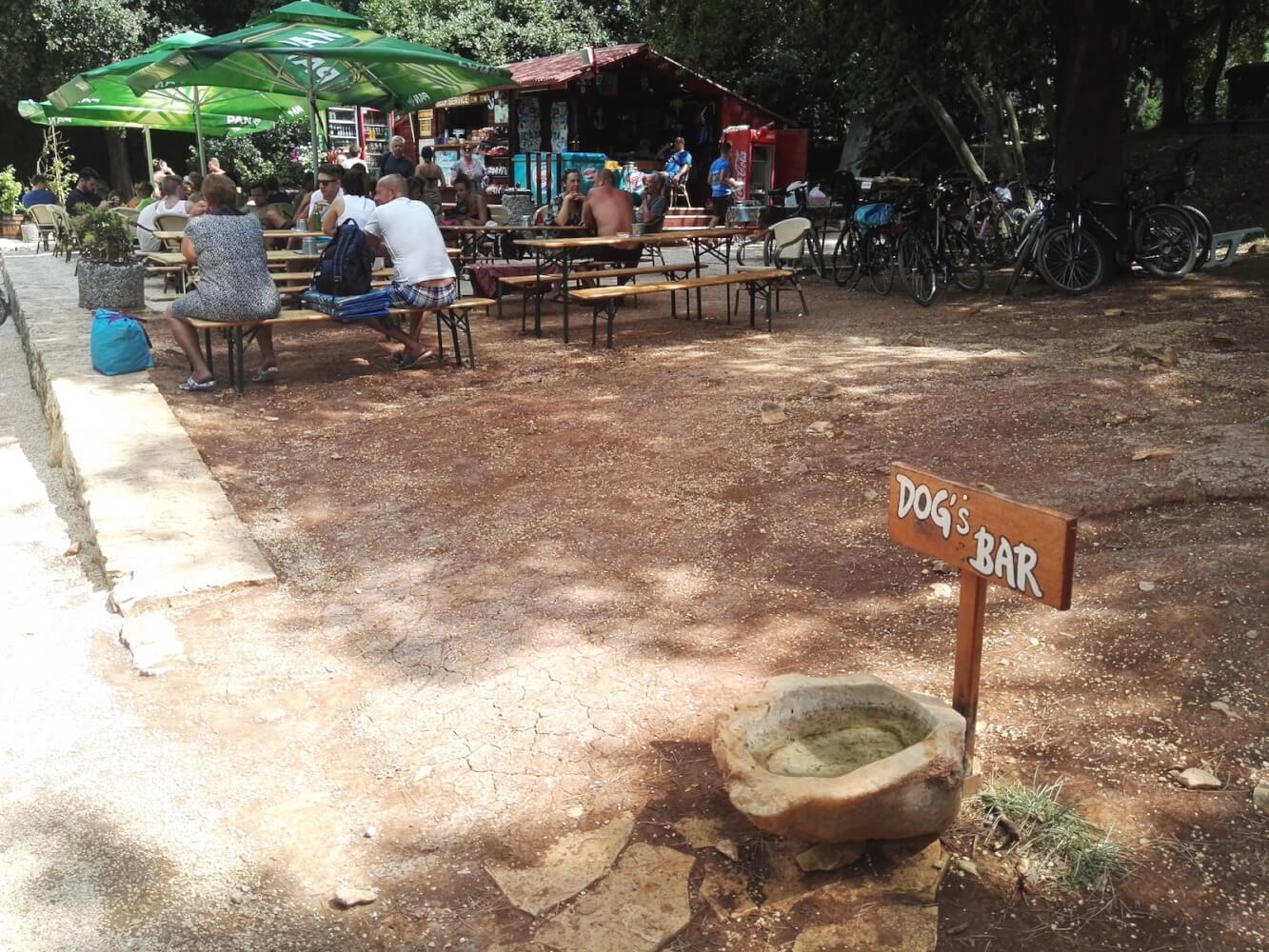 dog's bar lone bay rovinj