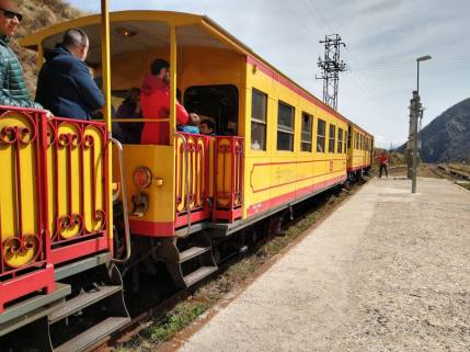 tren groc train jaune