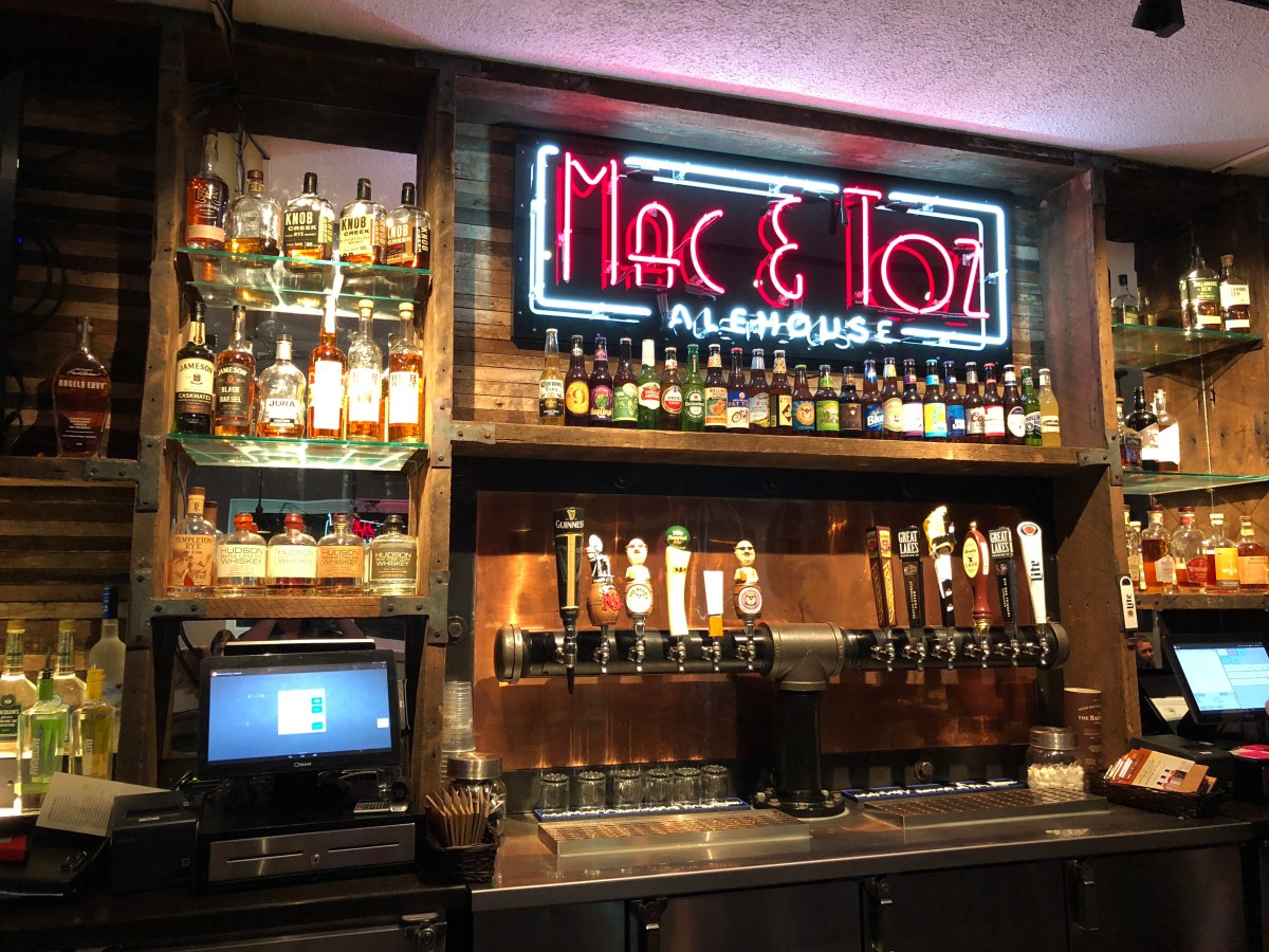 Mac and Toz, comfort food with a twist....and a whiskey bar!
