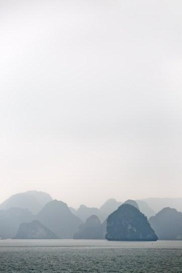 Ha Long Bay Vietnam - a UNESCO World Heritage Site // localadventurer.com
