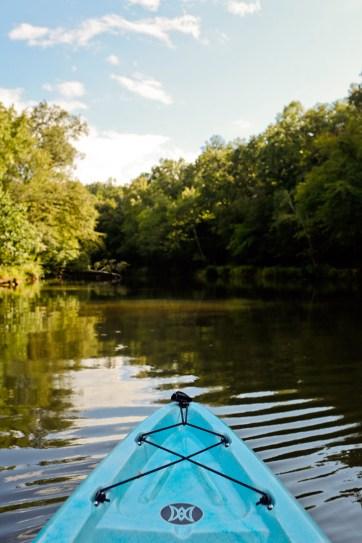 Kayaking through the Set of Mockingjay at Sweetwater Creek State Park - State Parks near Atlanta Georgia // localadventurer.com