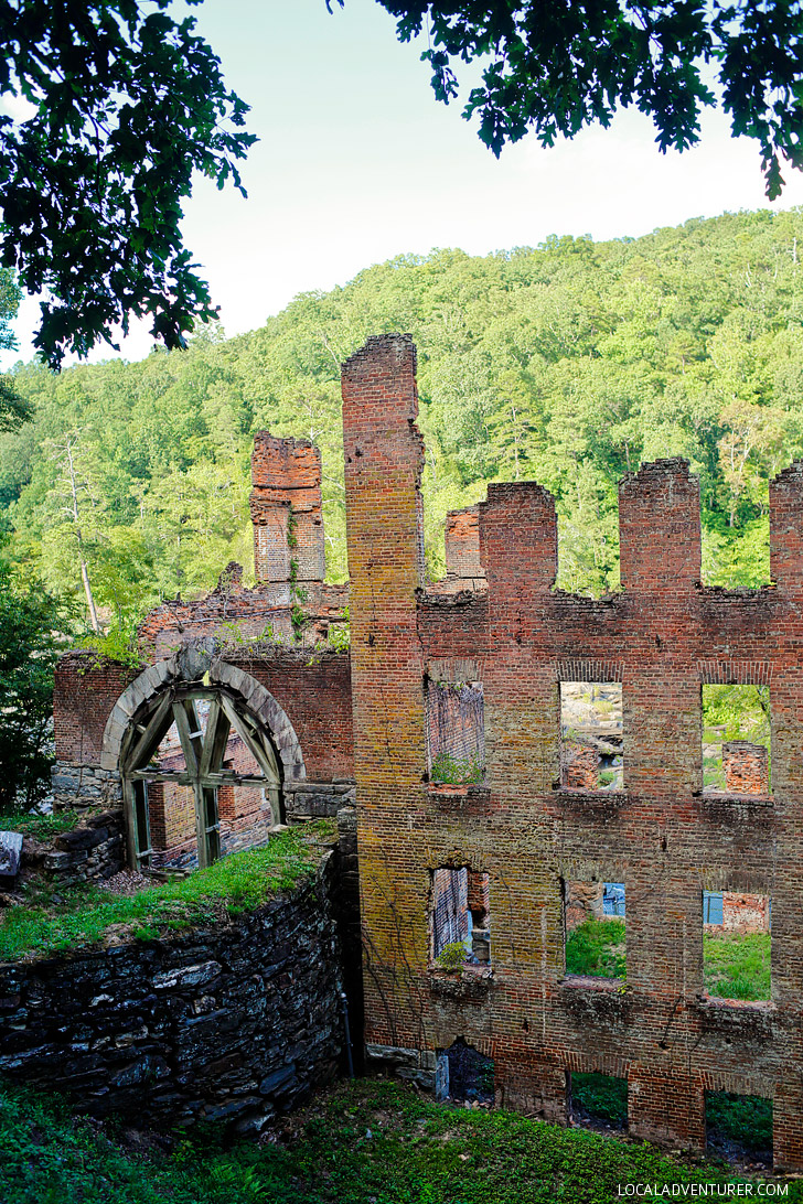 New Manchester Mill Ruins in Sweetwater Creek State Park, Atlanta, Georgia // localadventurer.com