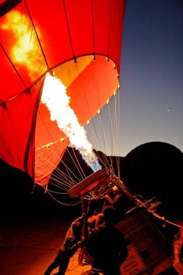 Riding Hot Air Balloons in Cappadocia, Turkey with Royal Balloon // localadventurer.com