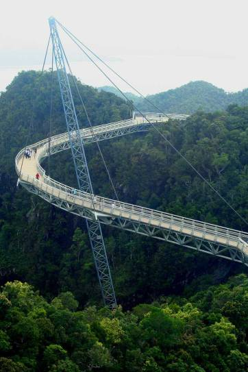 Langkawi Sky Bridge - the longest curved suspension bridge in the world. Some lucky visitors even catch a glimpse of local eagles flying above. Pro tip: Bring a light jacket! // localadventurer.com