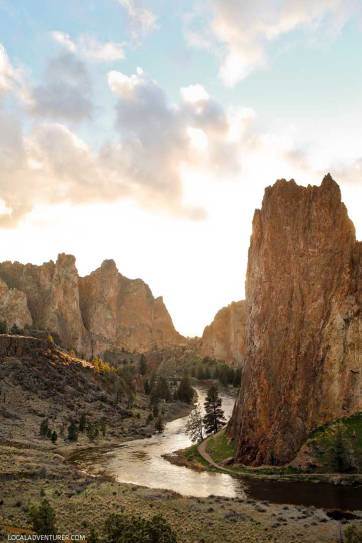 Crooked River Smith Rock State Park is one of Oregon's Seven Wonders. It's a premier sport climbing destination and has some of the best hikes in Oregon with stunning views. Find out everything you need to know about the park here // localadventurer.com
