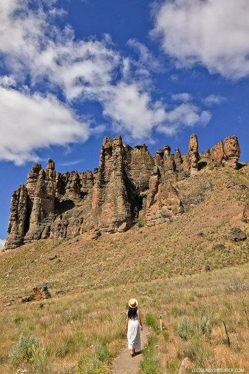 Your Guide to John Day Fossil Beds Clarno Unit, Eastern Oregon // localadventurer.com