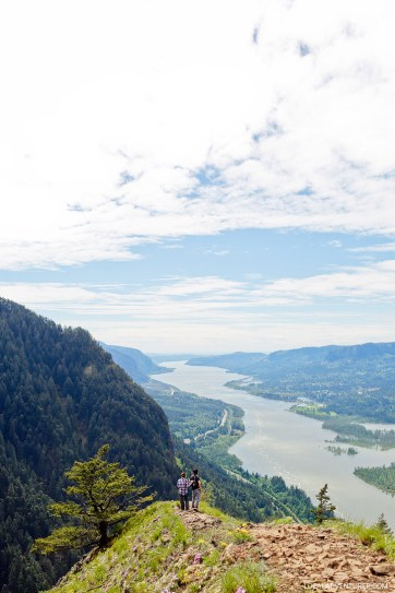 Munra Point Oregon - Hikes in the Columbia River Gorge // localadventurer.com
