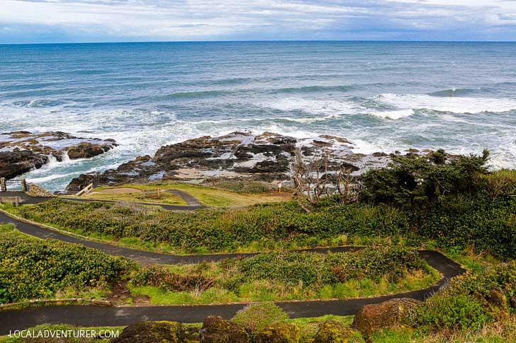 Thor's Well Oregon Coast + Essential Tips for Your Visit // localadventurer.com