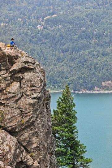 Essential Guide to the Angels Rest Hike Oregon // localadventurer.com