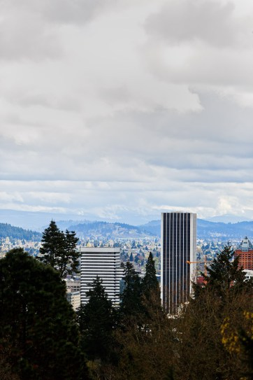 Portland Japanese Garden + 13 Beautiful Viewpoints in Portland Oregon // localadventurer.com